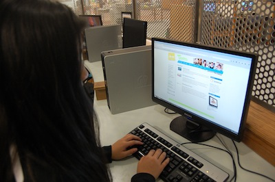 Teen using Brainfuse on laptop